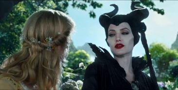 angelina-jolie-in-maleficent-movie-12
